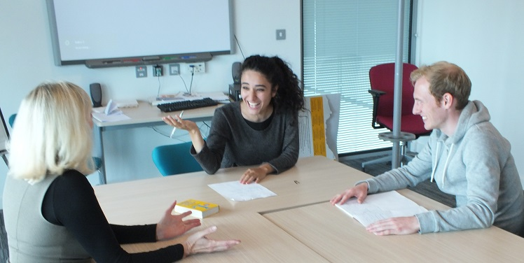 One Of Our 2 To 1 Language Courses In Bracknell