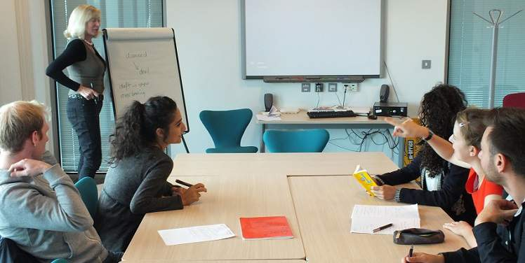 One Of Our Corporate Group Language Courses In Cardiff